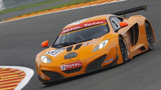 24 Ore di Spa: McLaren in evidenza sotto la pioggia