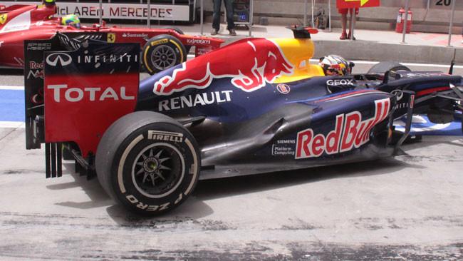 La Red Bull razionalizza gli scarichi in stile Sauber