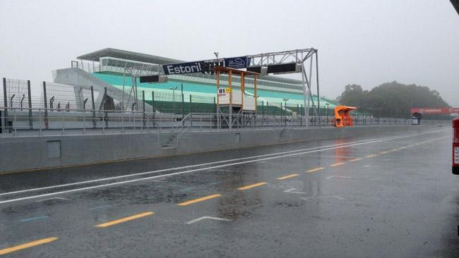 Piove ad Estoril: cancellati i test della MotoGp