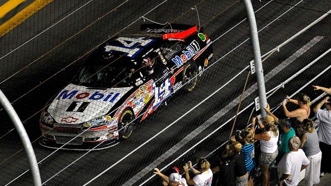 Incredibile vittoria per Tony Stewart a Daytona!