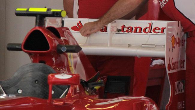 Un colpo di lima all'alettone posteriore Ferrari