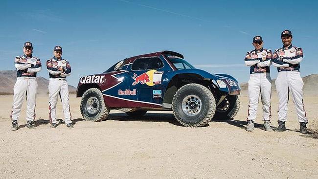 Carlos Sainz torna alla Dakar con Al-Attiyah