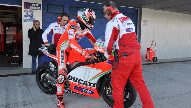 Jerez: tanto lavoro per Hayden, collo bloccato per Dovi