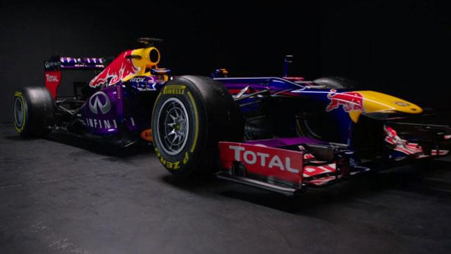 La Red Bull RB9 resta con la sospensione push rod