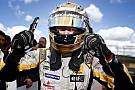 Magnussen resiste a Felix Da Costa e vince gara 1