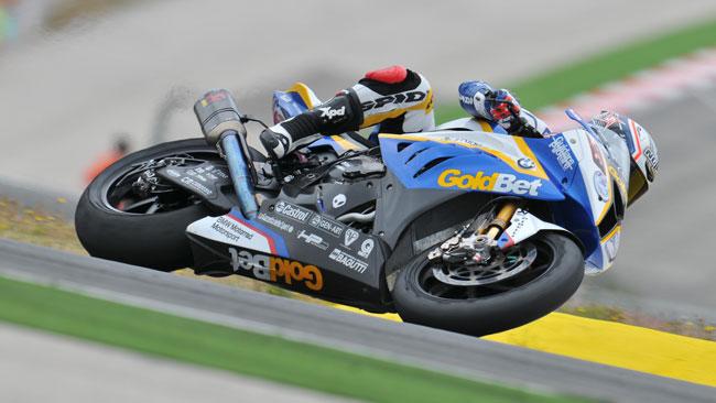 Le gomme rallentano Marco Melandri in gara 2