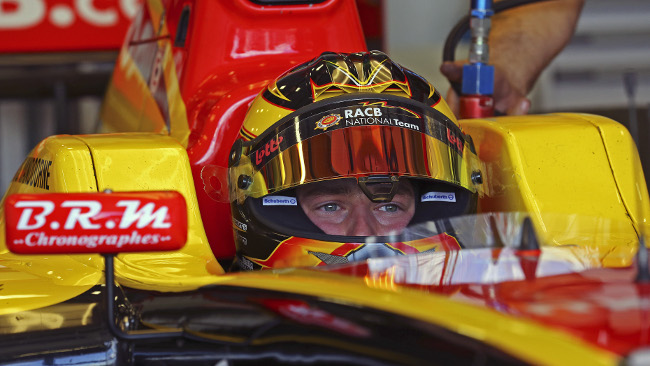 Stoffel Vandoorne vince Gara 1 e recupera
