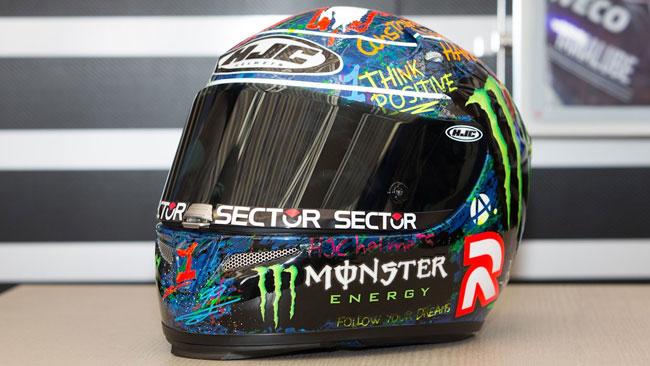 Lorenzo raccoglie 27.000 euro con il casco all'asta