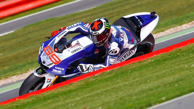 Silverstone, Libere 2: Lorenzo risponde a Marquez