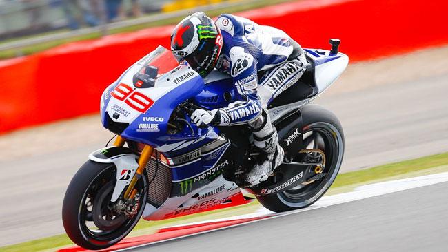 Jorge Lorenzo ritrova la vittoria a Silverstone