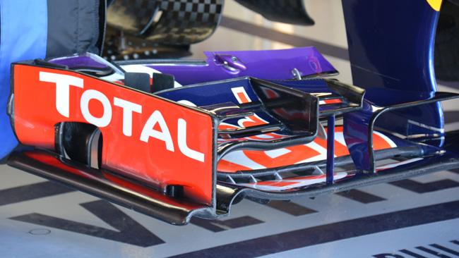 Vettel taglia il flap per essere più veloce