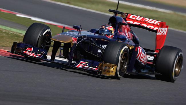 Kvyat inizierà subito l'apprendistato con la Toro Rosso