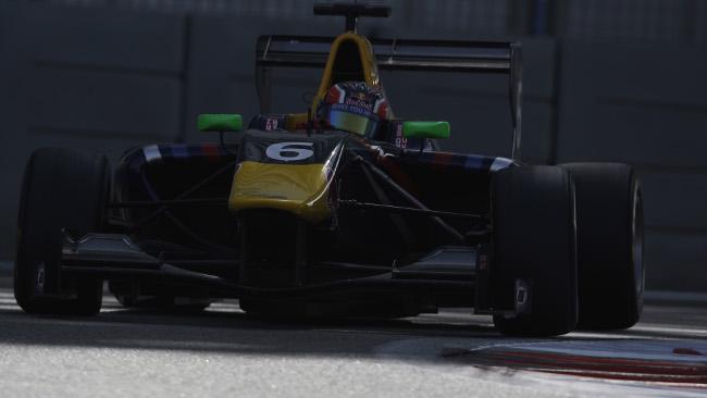 Daniil Kvyat in pole position ad Abu Dhabi