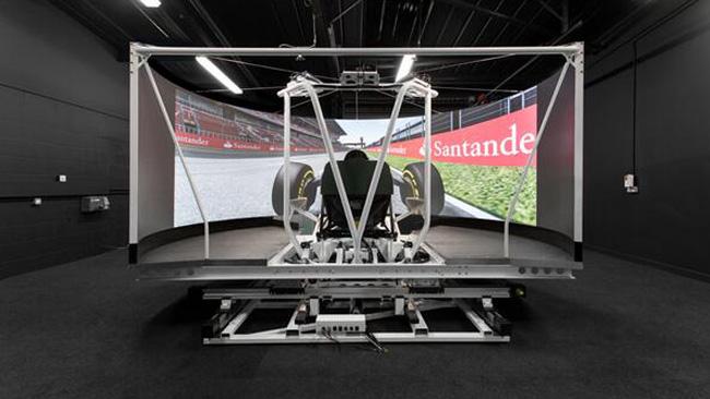 Caterham: ecco il simulatore a piattaforma