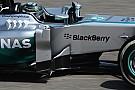 Mercedes: più sfoghi d'aria e T-tray bombato