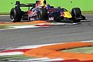 Pole a Sainz junior per la prima gara del 2014