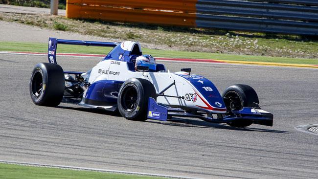 De Vries tramuta la pole in una bella vittoria in gara 1
