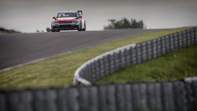 Slovakiaring, Gara 1: La bandiera rossa premia Loeb