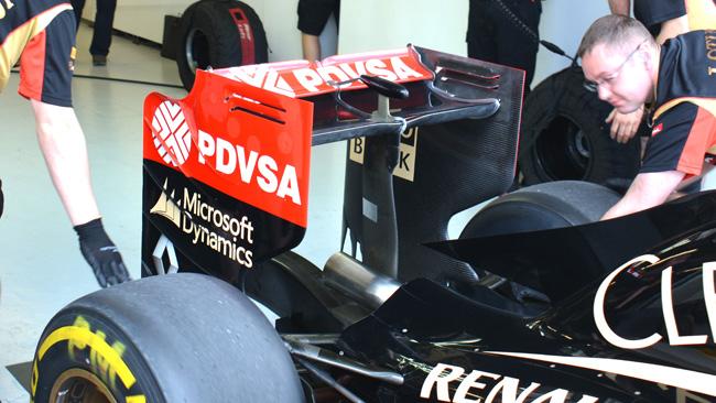 La Lotus scarica l'ala posteriore della E22