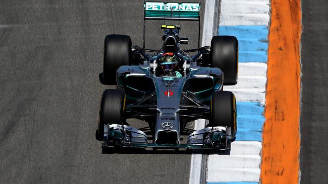 Hockenheim, Q1: Rosberg in vetta, Hamilton sbatte