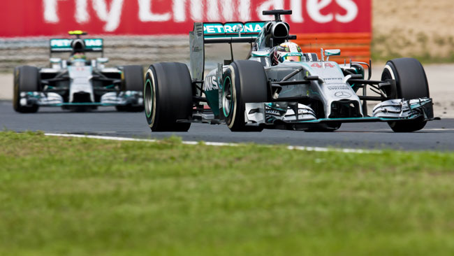 L'ordine di scuderia riporta tensione in Mercedes