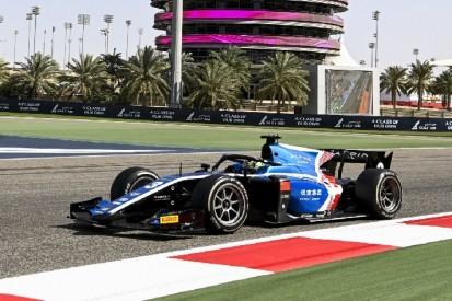 Formel 2 Bahrain: Zhou gewinnt erstes Hauptrennen, Zendeli wieder im Pech