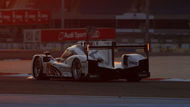 Sakhir, Libere 2: Porsche in evidenza con il buio