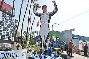 Indy Lights Ultime notizie Jones regala al team Carlin la vittoria a Long Beach