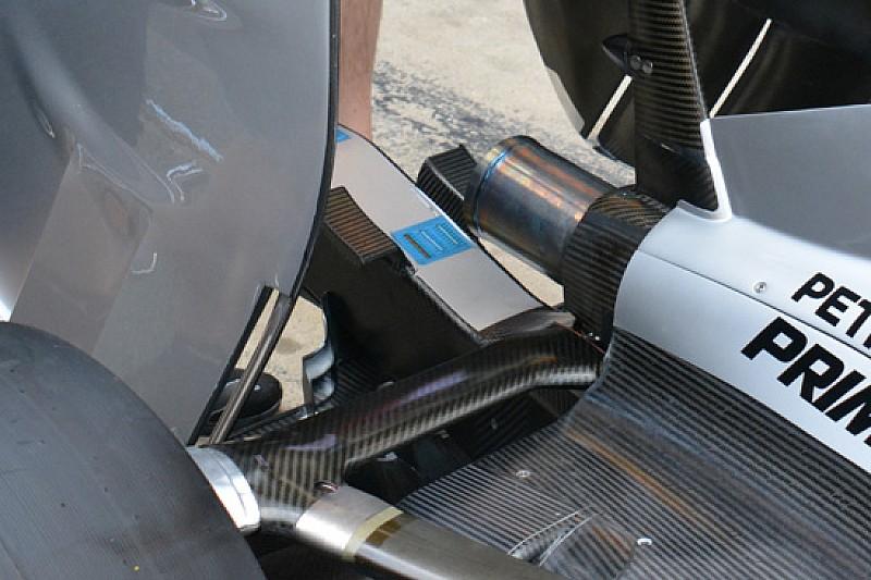 Mercedes: due flap ai lati della struttura defornabile