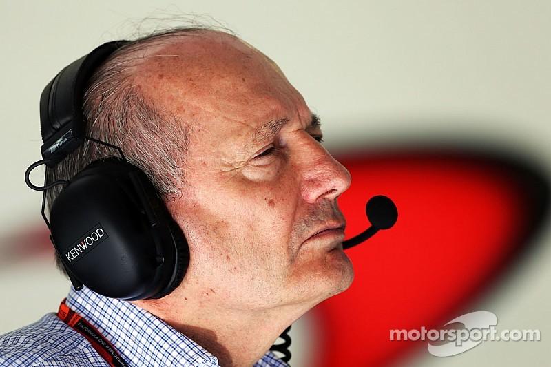 """Quand Ron Dennis motive et """"secoue"""" l'équipe McLaren"""