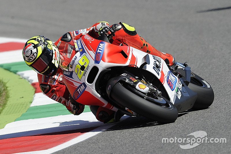 Iannone Takes Mugello Pole Marquez Knocked Out In Q1 Motogp News