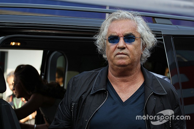 Briatore quer que Fórmula 1 foque na competição
