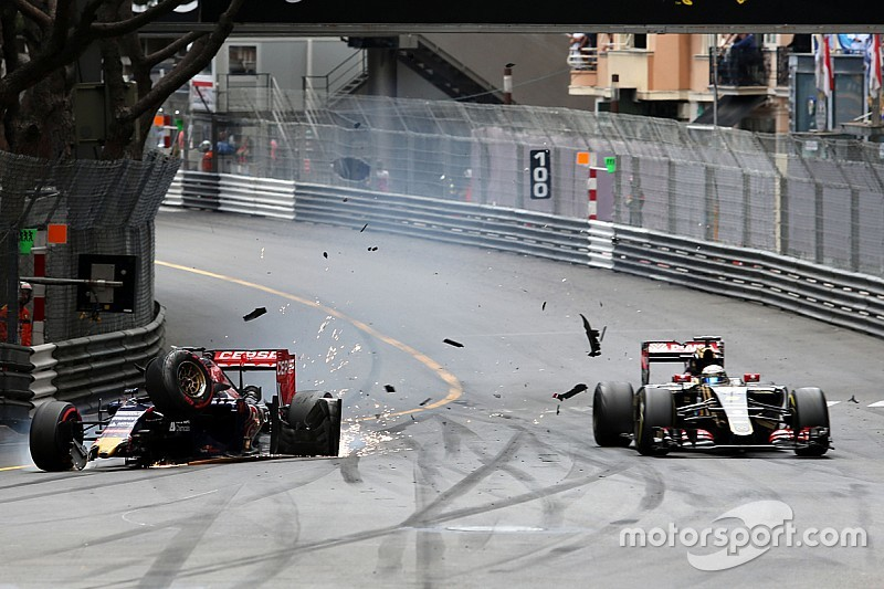 Grosjean apunta a Verstappen por no disculparse