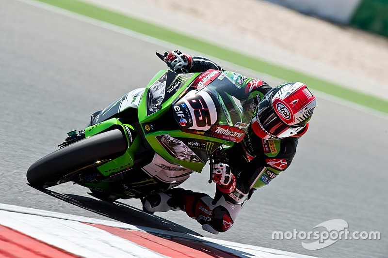 Masterclass performance gives Rea the win in Race 2
