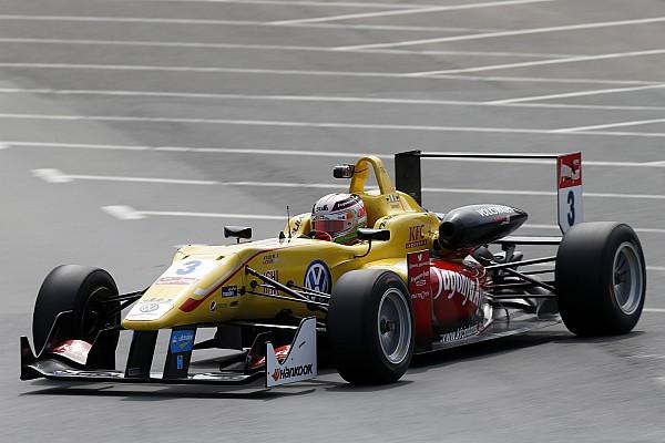 Джовинацци одержал победу в третьей гонке