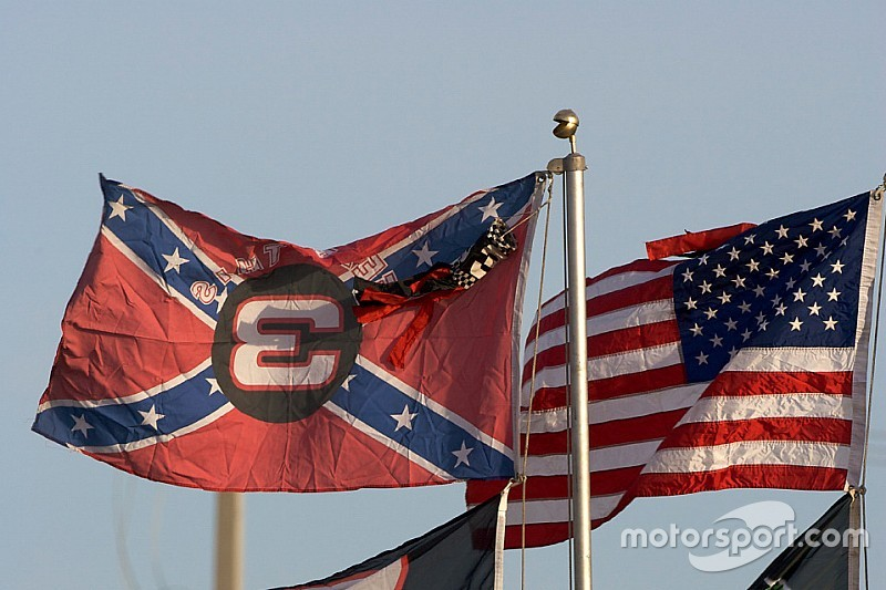 NASCAR strengthens stance on Confederate flag
