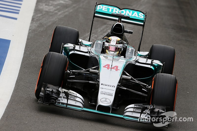 Hamilton ravi par la suppression des aides au pilotage