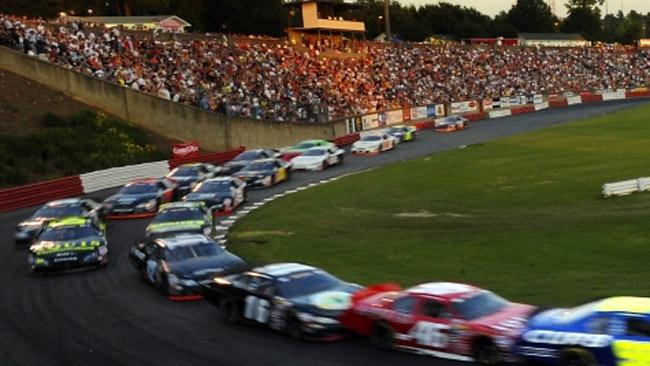 NASCAR Whelen: sei piloti negli States ad agosto