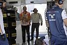 La Nanoprom nei box della Williams in Ungheria