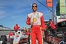 Castroneves on top in final practice