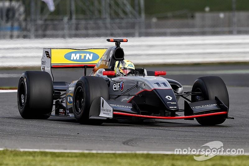 Эллинас одержал первую победу в Формуле Renault 3.5