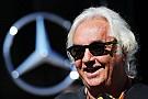 Бриаторе: Покупка Lotus принесет Renault новые проблемы
