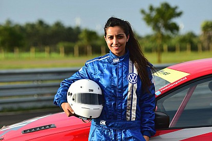 Breaking barriers: Female racers in India!