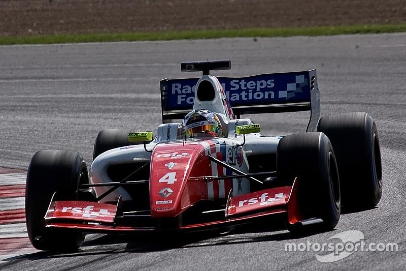 Rowland manda en Nurburgring