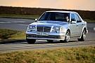 Mercedes célèbre le 25e anniversaire de sa 500 E
