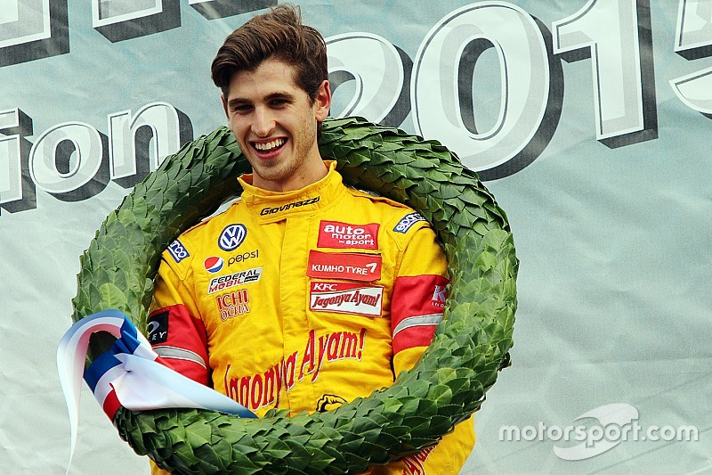"""Giovinazzi proud to """"follow in Verstappen's footsteps"""" with Masters win"""