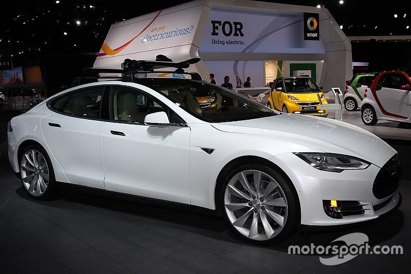 """Puissance """"falsifiée"""" - Tesla joue profil bas avec ses acheteurs"""