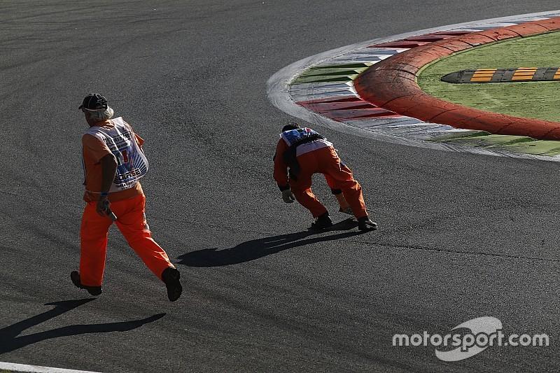 Pirelli и FIA предложат использовать технику по очистке трассы