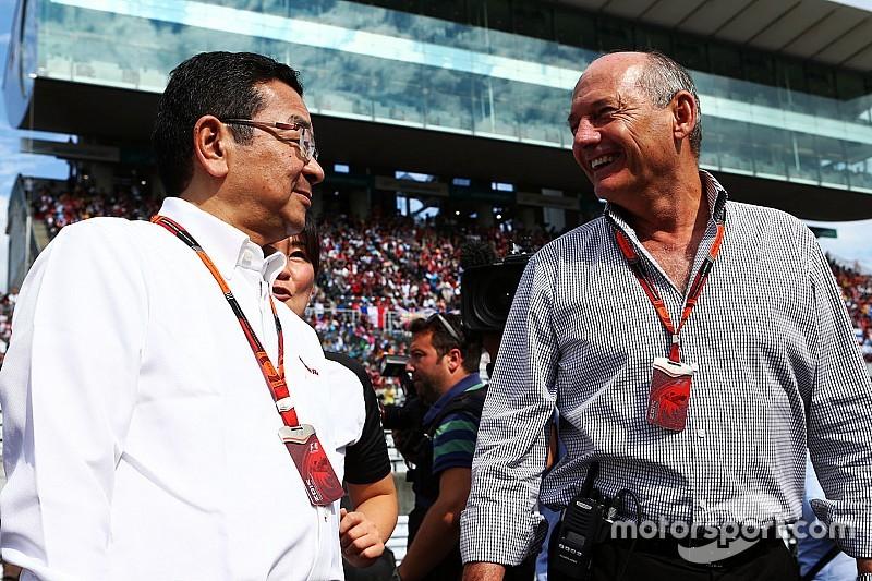 Экклстоун: Деннис препятствует сотрудничеству Honda и Red Bull
