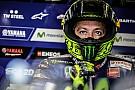 Rossi ameaça não correr e critica Marquez: